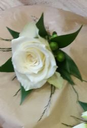 Deleux Gents Ivory Rose Buttonhole